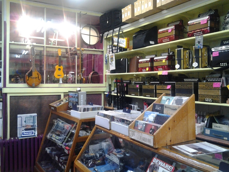 Obrien's caters to professional musicians and tourists looking for Newfoundland music.